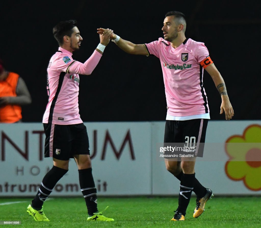 Ilija Nestorovski #30 of US Citta di Palermo celebrates after scoring the 0-2 goal during the Serie B match between FC Carpi and US Citta di Palermo on October 24, 2017 in Carpi, Italy.
