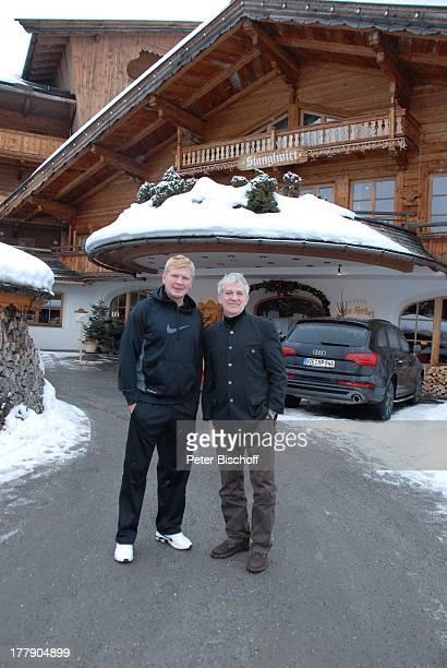 Ilja Richter Stefan Effenberg Parkplatz BioHotel Stanglwirt Going am Wilden Kaiser Tirol sterreich Europa die Hand geben Schauspieler Sänger Moderator