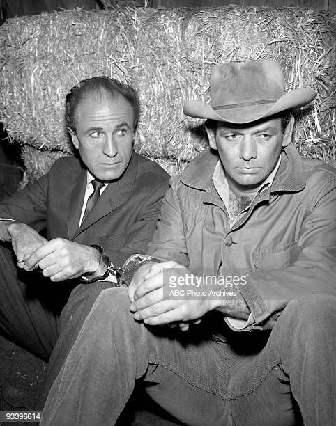 FUGITIVE Ill Wind Season 3 3/8/66 A migrant worker threatened with a jail term reveals Kimble's whereabouts to Gerard