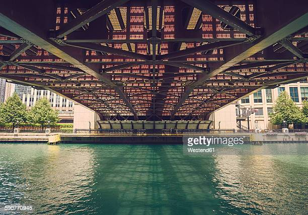 usa, illinois, chicago, chaicago river, bridge, view from below - chicago river stock pictures, royalty-free photos & images