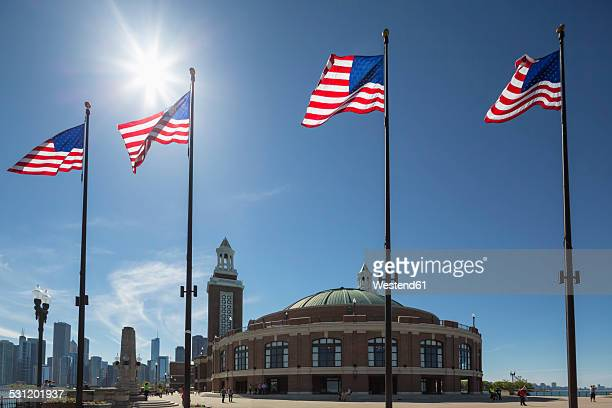 USA, Illinois, Chicago, flags on Navy Pier at Lake Michigan