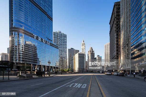 usa, illinois, chicago, skyscrapers with trump tower in downtown - the americas stock pictures, royalty-free photos & images