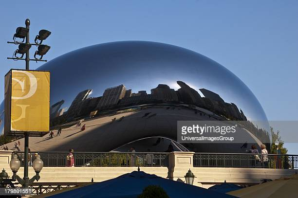 Illinois Chicago The Bean in ATT Plaza Millennium Park