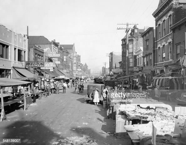 USA Illinois Chicago: View of the market in Maxwell Street