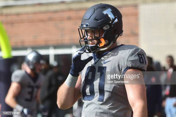 Illinois Fighting Illini defensive end Griffin Palmer warms up before a Big Ten Conference college football game between the Purdue Boilermakers and...