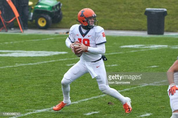 Illinois Fighting Illini quarterback Brandon Peters looks to throw the football in action during a game between the Illinois Fighting Illini and the...