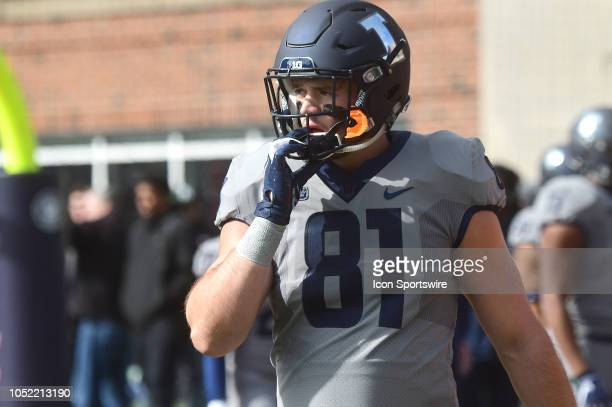 Illinois Fighting Illini tight end Griffin Palmer warms up before a Big Ten Conference college football game between the Purdue Boilermakers and the...