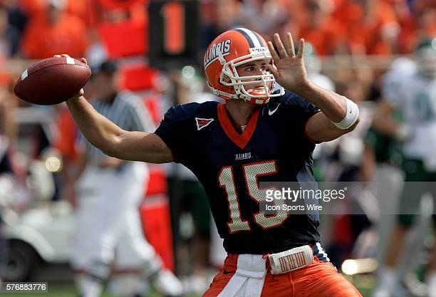 illinois-quarterback-tim-brasic-the-michigan-state-spartans-defeated-picture-id576883776