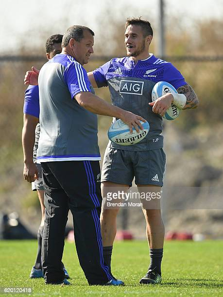 Illinois United States 1 November 2016 TJ Perenara right of New Zealand with assistant head coach Ian Foster during a New Zealand Rugby Squad...