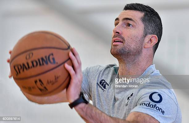 Illinois United States 2 November 2016 Rob Kearney of Ireland plays some basketball during a squad visit to the Chicago Bulls training facility The...