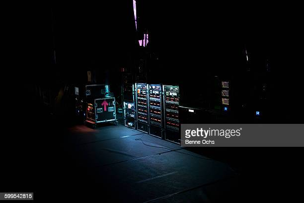 illuminated amplifiers on stage - amplifier stock pictures, royalty-free photos & images