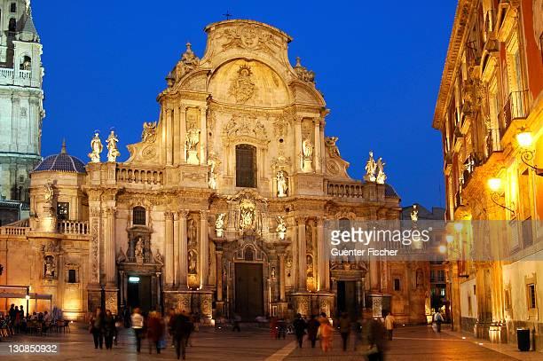 illuminated baroquial cathedral murcia spain - murcia - fotografias e filmes do acervo
