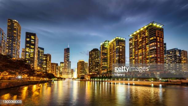 illuminated chicago cityscape at night panorama - mlenny stock pictures, royalty-free photos & images