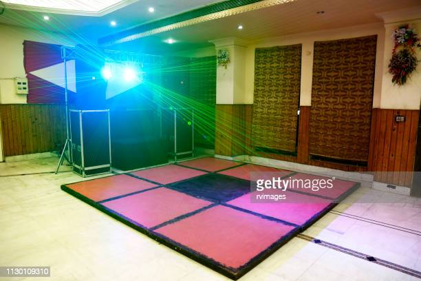 illuminated disoco dj dance floor - banquet hall stock pictures, royalty-free photos & images