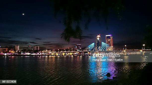 illuminated han river bridge and cityscape at night - hong quan stock pictures, royalty-free photos & images