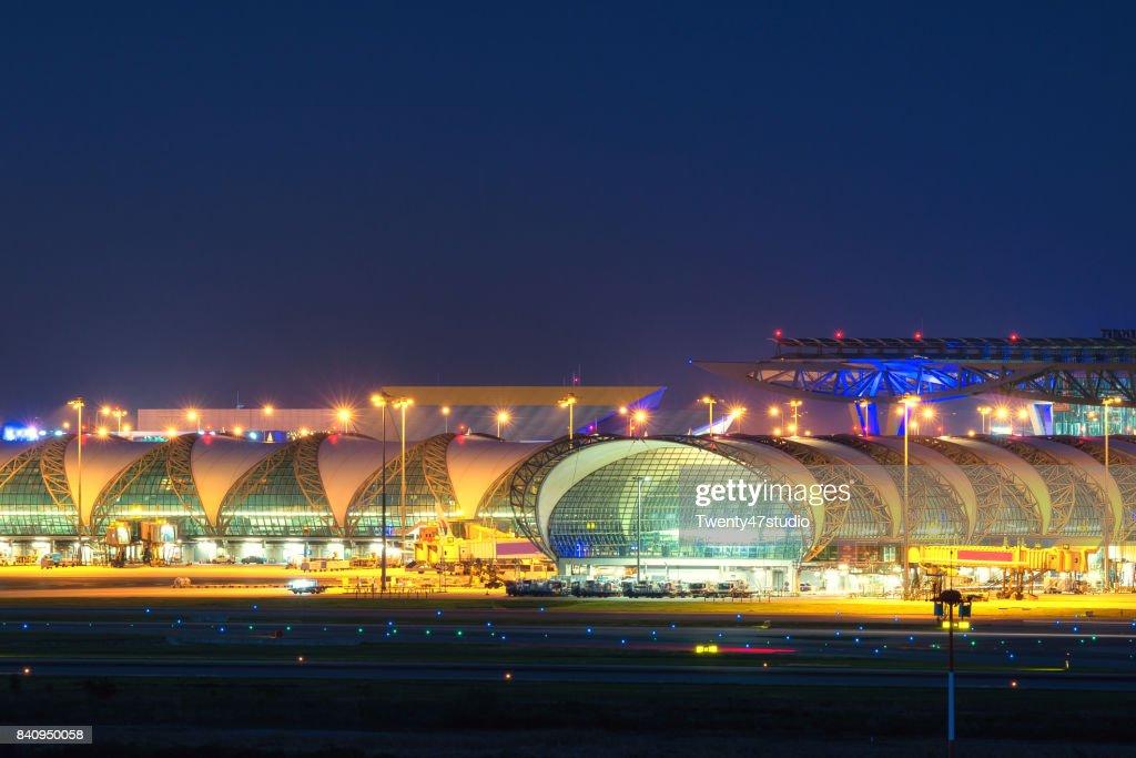 Illuminated international airport in Bangkok : ストックフォト