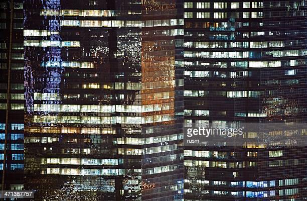 Iluminado rascacielos, Singapur