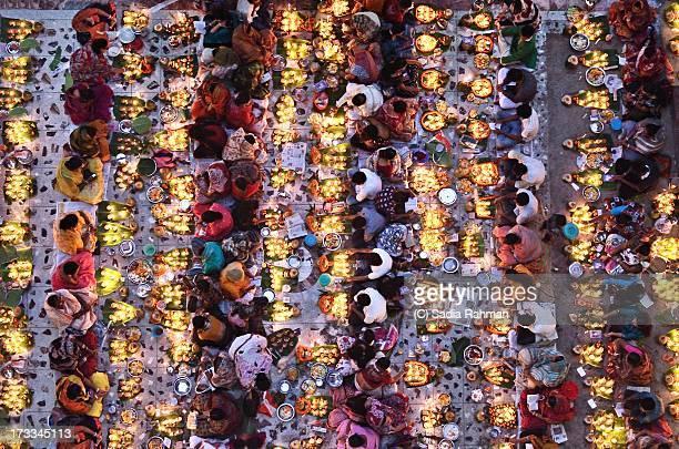 illuminated souls - bangladesch stock-fotos und bilder