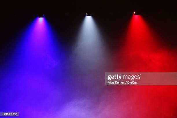 illuminated stage lights - stage light stock pictures, royalty-free photos & images