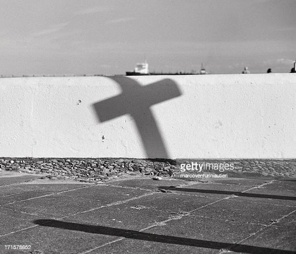 illusion: cross at the harbour - croce al porto - marcoventuriniautieri stock pictures, royalty-free photos & images