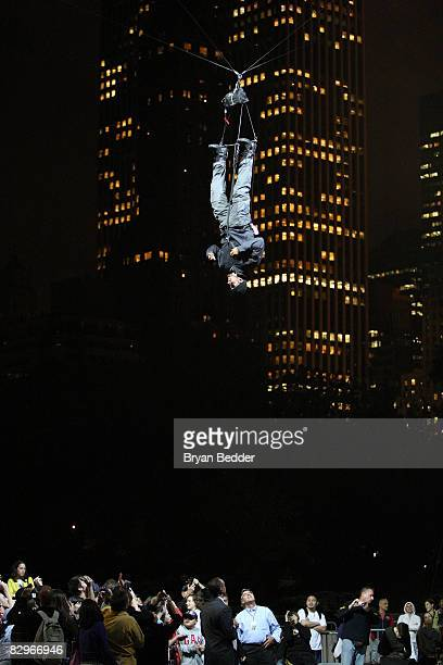 Illusionist David Blaine hangs upside down at Wollman Rink in Central Park on September 22 2008 in New York City The 35yearold Blaine planned to hang...