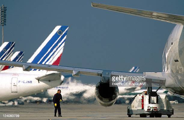 Illustration Airplanes Traffic at airport In Paris France In August 1997 Departure of Air France B737 at CharlesdeGaulle 2 Airport