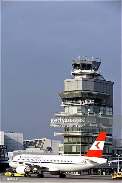 Illustration Austrian airlines In Vienna Austria In 2002 Austrian Airlines Airbus A320 Schwechat airport