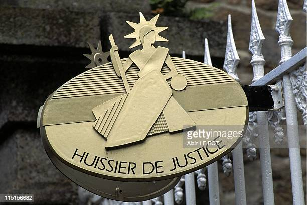 Illustration Bailiff's plate in France in November 1996