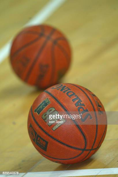 Ballon De Basket Premium Pictures Photos Images Getty