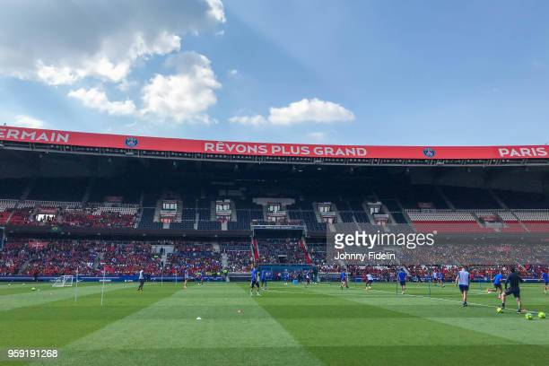 Illustration General View Training session during the training session of Paris Saint Germain at Parc des Princes on May 16 2018 in Paris France