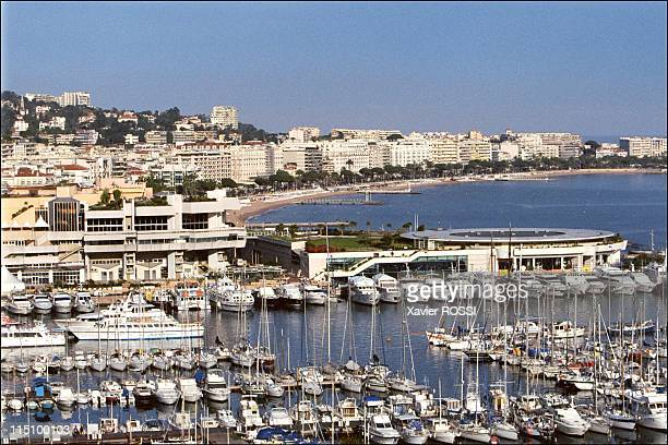 Illustration hotels in Cannes France on April 13 2001 The harbor of Cannes 'palais des Festivals'