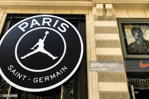 20 Store Paris Saint Germain Collection Air Jordan Bilder Und Fotos Getty Images