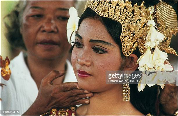 Illustration Of PhnomPenh On October 01st 1991 The Four Generations Of Dancers Of The King In The Royal Palace In The Dance Hall They Are Part Of The...