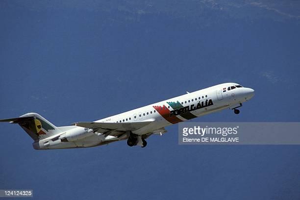 Illustration on the airline companies In France On September 29 1993 Portugalia Fokker f100