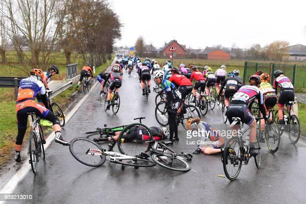 Illustration / Peloton / Crash / during the 7th Dwars door Vlaanderen 2018 a 1177km women's race from Tielt to Waregem on March 28 2018 in Waregem...