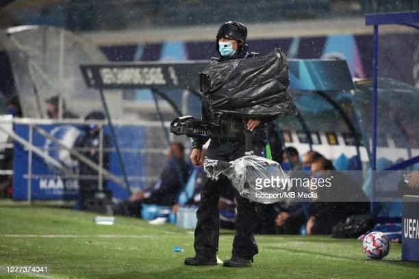 Illustration picture shows a cameraman during the UEFA Champions League PlayOff first leg match between KAA Gent and Dynamo Kyiv at Ghelamco Arena on...