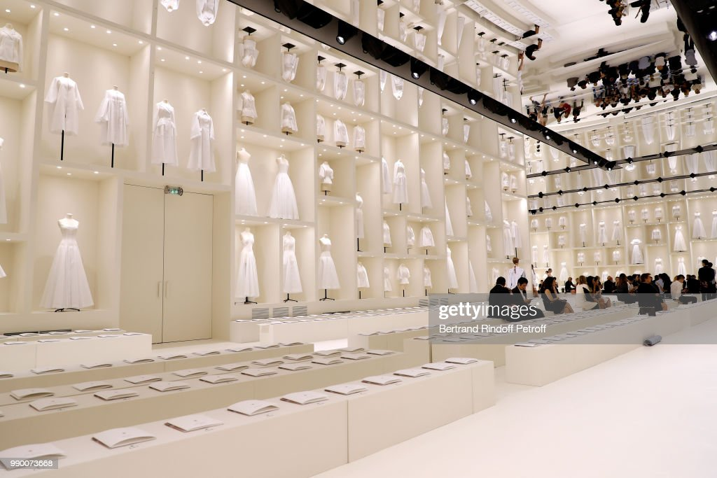 Christian Dior : Front Row - Paris Fashion Week - Haute Couture Fall Winter 2018/2019 : ニュース写真