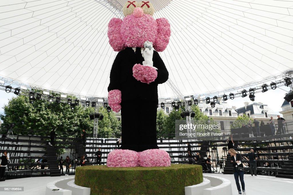 Dior Homme: Front Row - Paris Fashion Week - Menswear Spring/Summer 2019 : ニュース写真