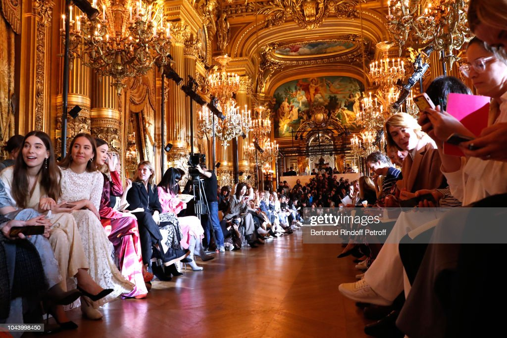 Stella McCartney : Front Row - Paris Fashion Week Womenswear Spring/Summer 2019 : ニュース写真