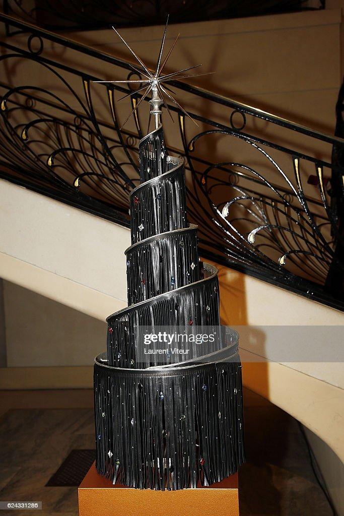 21th Edition Of 'Les Sapins De Noel Des Createurs - Designer's Christmas Trees In Paris : News Photo