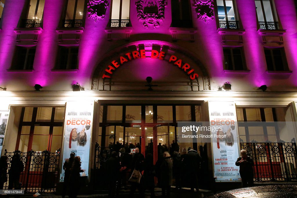 L Envers Du Decor Theater Play In Paris Photos And Images Getty