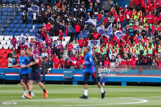 Illustrations Fans Kids of PSG during the training session of Paris Saint Germain at Parc des Princes on May 16 2018 in Paris France