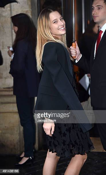 Ilona Smet arrives at the Sonia Rykiel Fashion Show during the Paris Fashion Week S/S 2016 Day Seven on October 5 2015 in Paris France