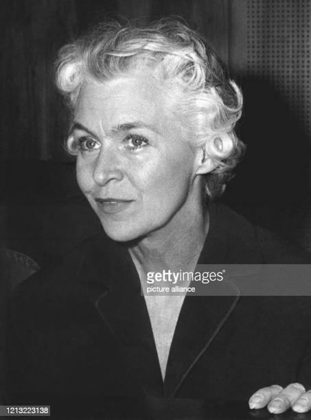 im Gerichtssaal während der Beendigung der Beweisaufnahme am 21 Mai 1962 Sie und der Montageschlosser Johann Ferbach wurden Anfang der 60er Jahre des...