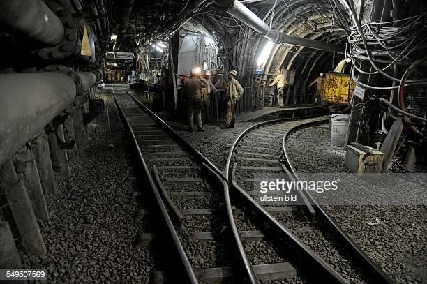 Im Streb Wahlschied 87 Ost des Bergwerks Saar der RAG Deutsche Steinkohle wird umweltgefährdendes Material nach dem Ende des Saarbergbaus demontiert...