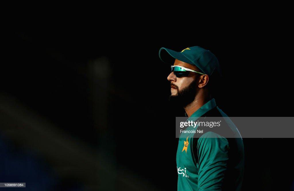 Pakistan v New Zealand - 1st One Day International : News Photo