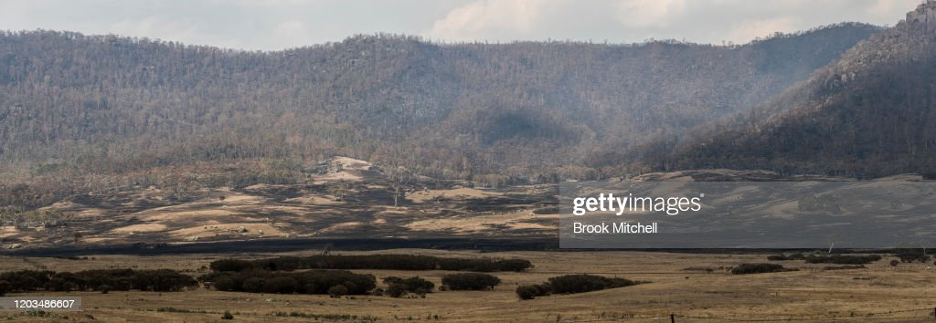 Bushfire Threat For ACT And NSW Remains With High Temperatures And Thunders : News Photo