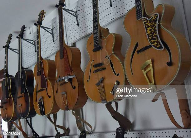 Image of 30'S ORPHEUM IMPERATOR C '38 VEGA C56 '42 RICKENBACKER S59 '57 HOFNER COMMITTEE50'S from Maple Guitar Collection on March 21 2017 in...