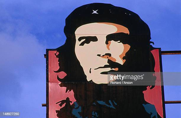 Image of Che Guevara on billboard.