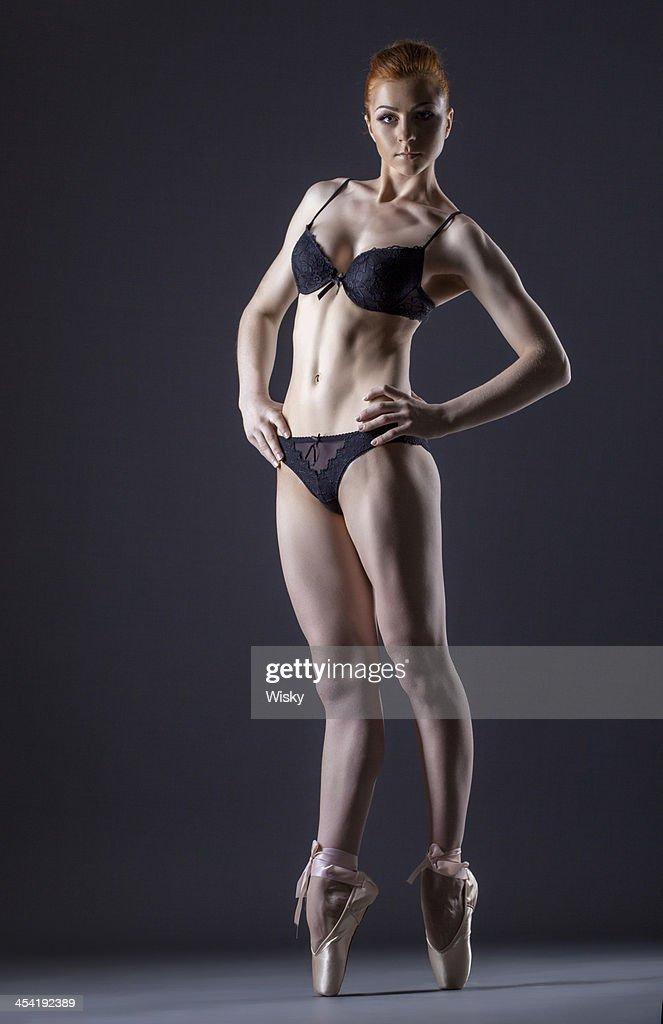 Bild von süßen skinny red männlichen ballerina : Stock-Foto